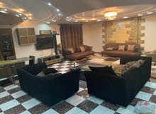 شقة مفرشة للايجار بشارع رئيسى وقريبة من سيتى ستارز بالمنطقة السادسة / مدينة نصر