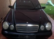 Available for sale! +200,000 km mileage Mercedes Benz E 320 1997