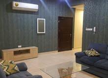 للبيع شقة تشطيب ديلوكس في منطقة هادئه في قلالي