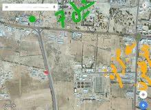 قطعة ارض تجاريه سكنيه تطل عل شارعين مساحته 600 متر في طريق الرتل