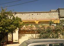 شاليه للبيع بقرية المعلمين بموقع ممتاز على شارع القرية الرئيسي