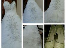 فستان زفاف للإيجار بجميع ملحقاته