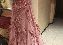 فستان من احمد البدوي