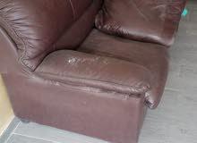 كرسي حلاقه، وكراسي انتضار 3،مغسله،جهاز تنضيف البشره