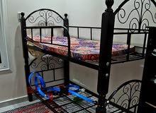 طقم كنب و غرفة نوم أطفال و طاولة سفره