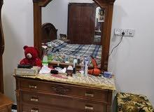 غرفة نوم عدد 2 مع قنفات مع ثلاجة