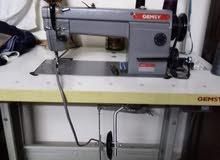 ماكينات خياطه حبكة ودرزة ورش للبيع بحالة جيدة استعمال خفيف