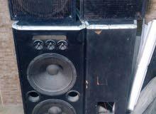 سماعات عدد 4 و2 ام بي فير و2 قاعدة مستعملات للبيع