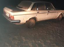 سيارة فالفوابيض موديل 1986مكينه كيروانجي تبريد رقم نجف الماني موجودة بالبصره بيه