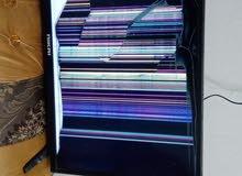 للبيع شاشة تلفزيون مستعمله والشاشة مكسوره