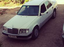 Available for sale! 1 - 9,999 km mileage Mercedes Benz E 200 1990