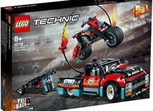 مع خدمة التوصيل LEGO Jay's Cyber Drag