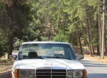 Manual Mercedes Benz E 200 for sale