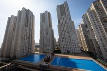 شقة جديدة باطلالة بحرية للبيع ضمن مجمع سكني كامل الخدمات باسطنبول الاوروبية