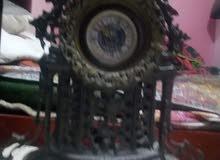 ساعة اثرية للبيع