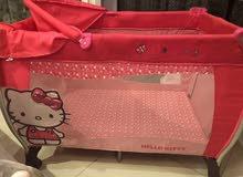 سرير أطفال شبه جديد نظيف