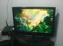 شاشة كمبيوتر تعرض تلفزيون مع ريسفير