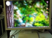 شاشة كمبيوتر LCD + سماعات مدمجة