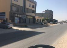 مبني تجاري كبير للبيع على الرئيسي السراج  المدينة : طرابلس