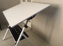 طاولة للرسم الهندسي