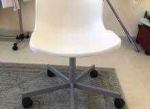 كرسي مكتبي  ابيض