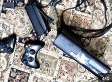 السعر تسعين قابل للتفاوض Xbox 360  مع كاميرا  ثلاث أيادي CD وكالة