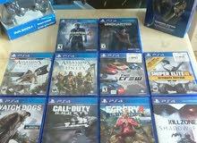 بلي ستيشن 4 للبيع PS4 معها ملحقاتها و 10 العاب كاااااش فقط