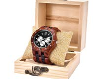 الساعة الخشبية الفاخرة