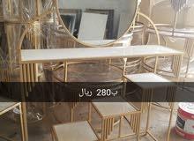 طاولة مدخل مع المرايا
