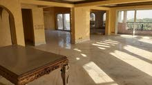 apartment Fourth Floor Unfurnished is up for rent