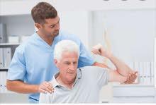 اخصائي علاج فيزيائي طبيعي