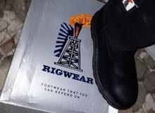 بوت أمريكي الصنع بسعر الجملة جلد اصلي رقمه 43 ماركة RIGWEAR