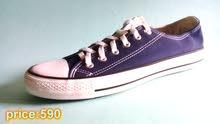 حذاء كونفارس الفيتنامي