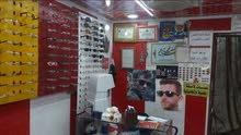 نحتاج عامل ورشه لصناعة النظارات الطبيه