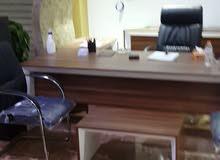 مكتب تركي نظيف نظيف . كرسي جلد دوار 1. كرسي جلد تابت للظيف 2