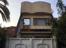 دار للبيع في حي القادسيه مساحة 130م