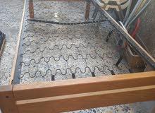 سرير حديد وخشب للبيع
