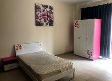 غرفة نوم رئيسية مفروشة بالكامل، في مجمع فاخر جدا في العين سيتي سنتر