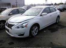 White Nissan Altima 2013 for sale