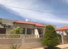 فيلا فاخرة للبيع في منطقة اليادوده قرب قصر اليادوده   مساحة الارض (500م) مسطح البناء (220م)