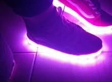 أحذية مضيئة