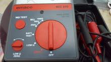 جهاز اختبار العازلية megohmeter