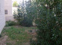 للبيع شقة أرضية مع حديقة في الجبيهة