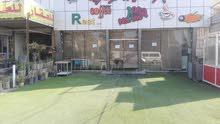 كافيتريا حديثة للبيع او الايجار في حي الحسين