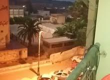 شقة في سنتر بنغازي في  160م تطل علي شارع جمال مفابل شيل المدينة الرياضية 175  الف قابل لنقاش