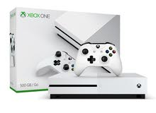 xbox one s white with one controller and forza horizon 3