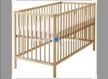 سرير اطفال ينطوي للبيع