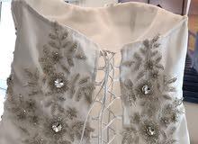 wedding dress with veil فستان عروس استعمال مرة واحدة