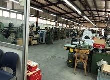 مصنع 2000م بالمنطقه الصناعيه  بمدينة نصر  800م انتاج 800م ارض فضاء برخصة بناء
