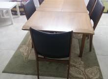 طاوله خشب مع كواسي و بوفيه